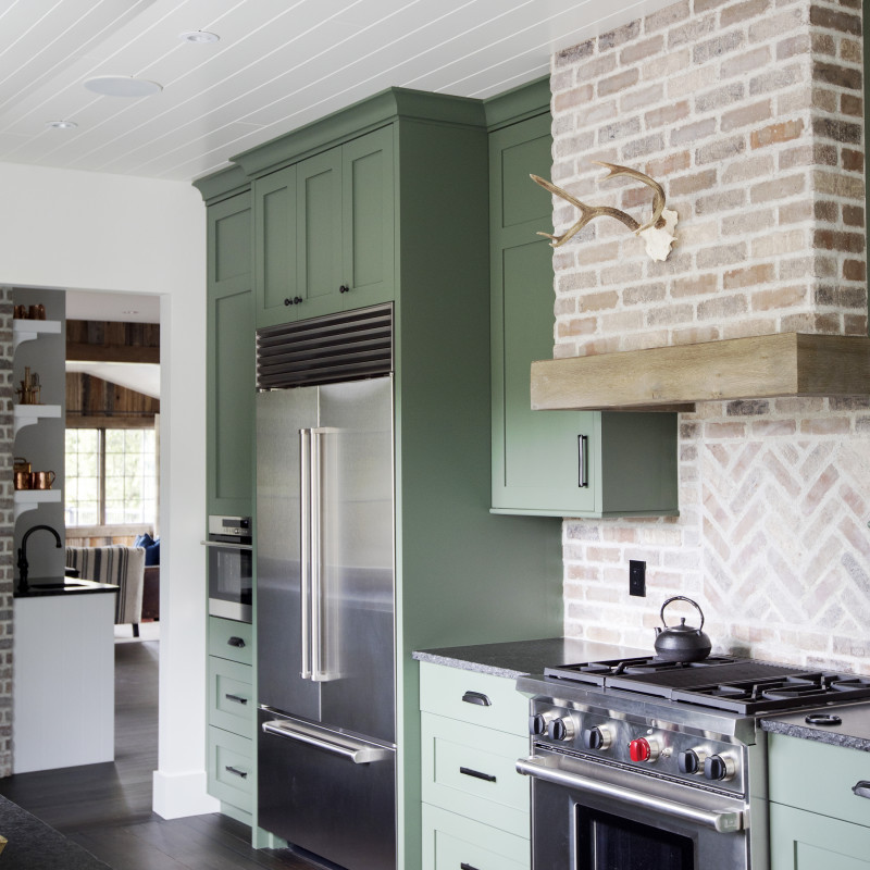 HISTORICAL FARMHOUSE renovation and decorating